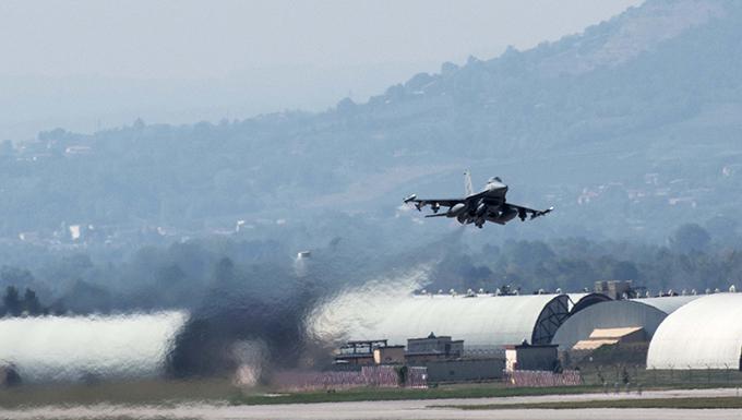 Aviano F-16s depart for Immediate Response 16